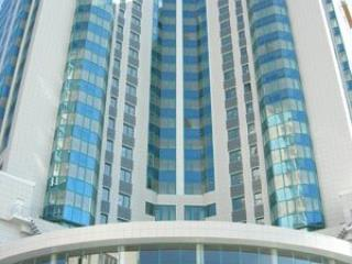 Продажа квартир: 3-комнатная квартира, Краснодар, Кубанская Набережная ул., 80, фото 1