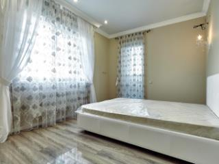 Продажа квартир: 2-комнатная квартира, Краснодар, ул. им Суворова, 53, фото 1