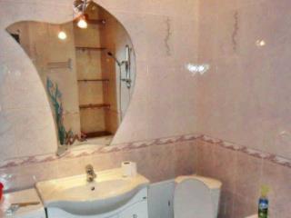 Снять 2 комнатную квартиру по адресу: Москва ул Исаковского 20к1
