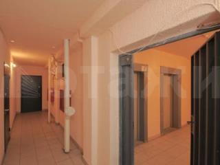 Продажа квартир: 1-комнатная квартира, Тюменская область, Тюмень, Заречный проезд, 37 к.1, фото 1