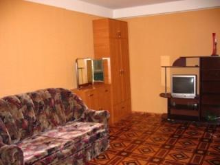 Продажа квартир: 3-комнатная квартира, республика Крым, Симферополь, Луговая ул., фото 1
