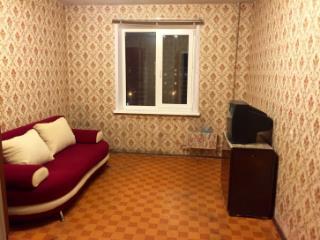 Продажа комнаты: 4-комнатная квартира, Казань, ул. Чишмяле, 11, фото 1