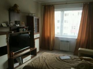 Аренда квартир: 1-комнатная квартира, Калининград, ул. Каштановая аллея, 173, фото 1