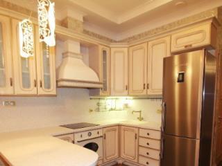 Продажа квартир: 3-комнатная квартира, Краснодарский край, Сочи, Курортный пр-кт, 105б, фото 1