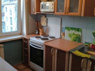 Снять 2 комнатную квартиру по адресу: Красноярск г ул Парашютная 76а