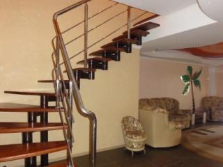 Продажа квартир: 3-комнатная квартира, Краснодарский край, Сочи, ул. Тургенева, 10, фото 1