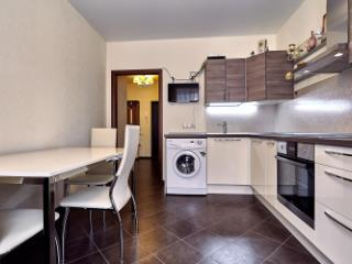 Продажа квартир: 2-комнатная квартира, Краснодар, ул. им 40-летия Победы, фото 1
