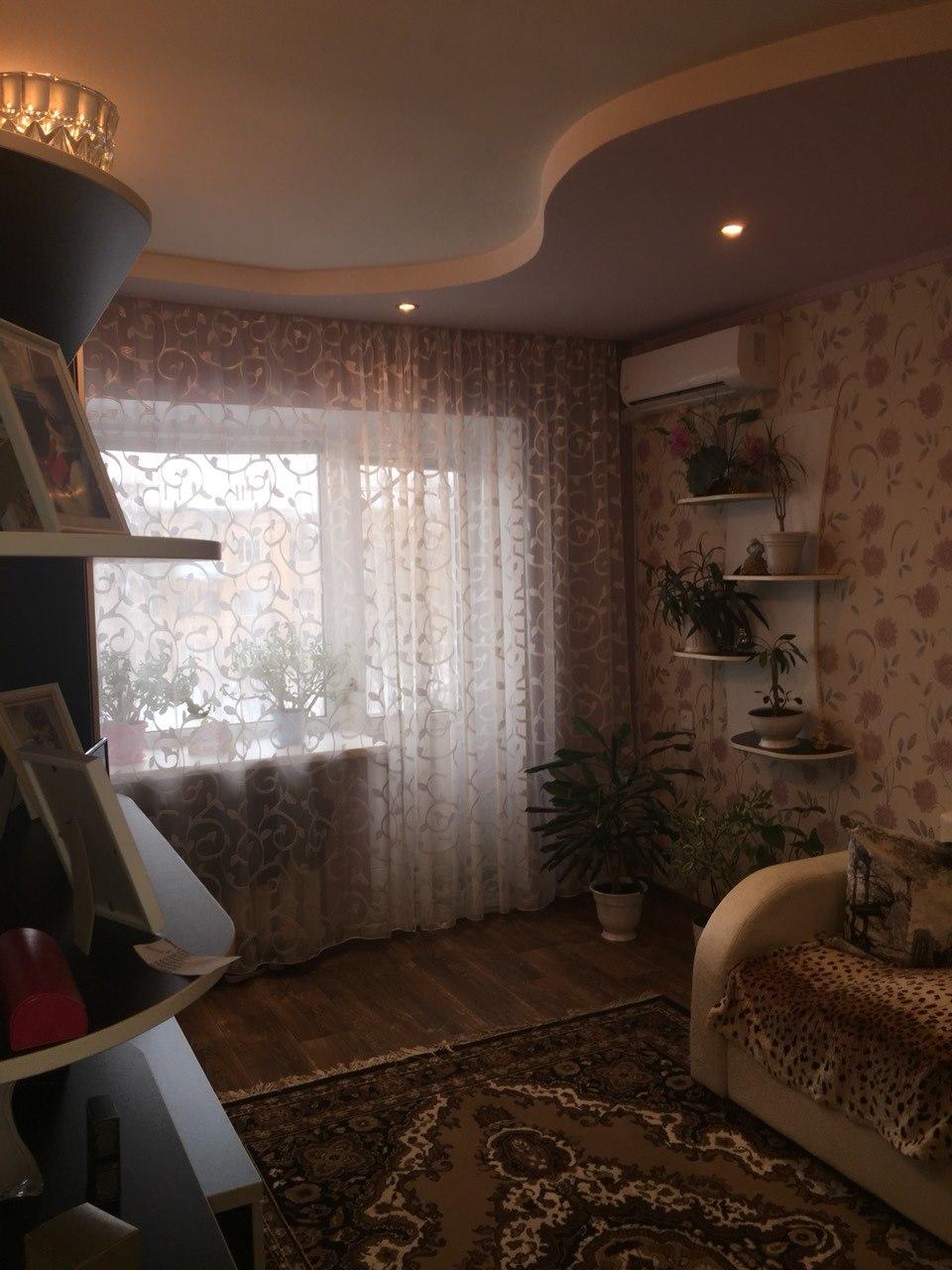 Продается двухкомнатная квартира за 1 650 000 рублей. Саратовская обл, г Энгельс, мкр Энгельс-1, д 40.